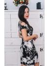 Рокля с голо рамо - модел Надя - черно на бели цветя